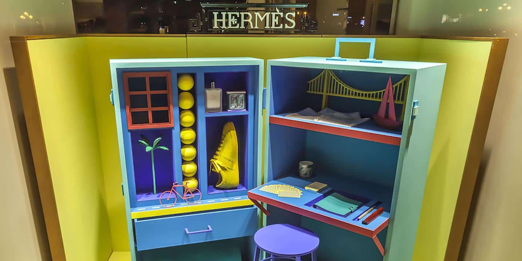 Hermès fait ses vitrines
