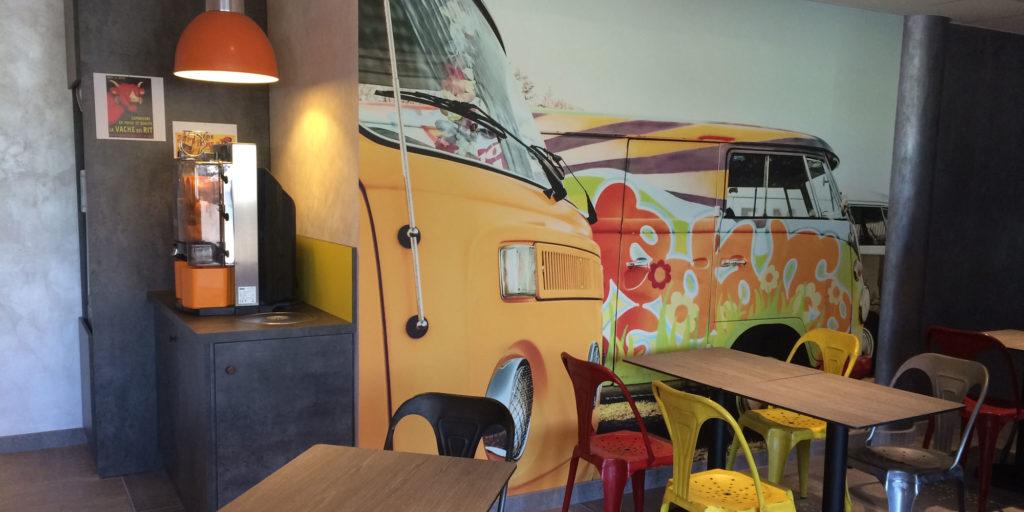 support mural imprimé en sublimation par Figarol pour l'hôtel Ibis Style de Vierzon