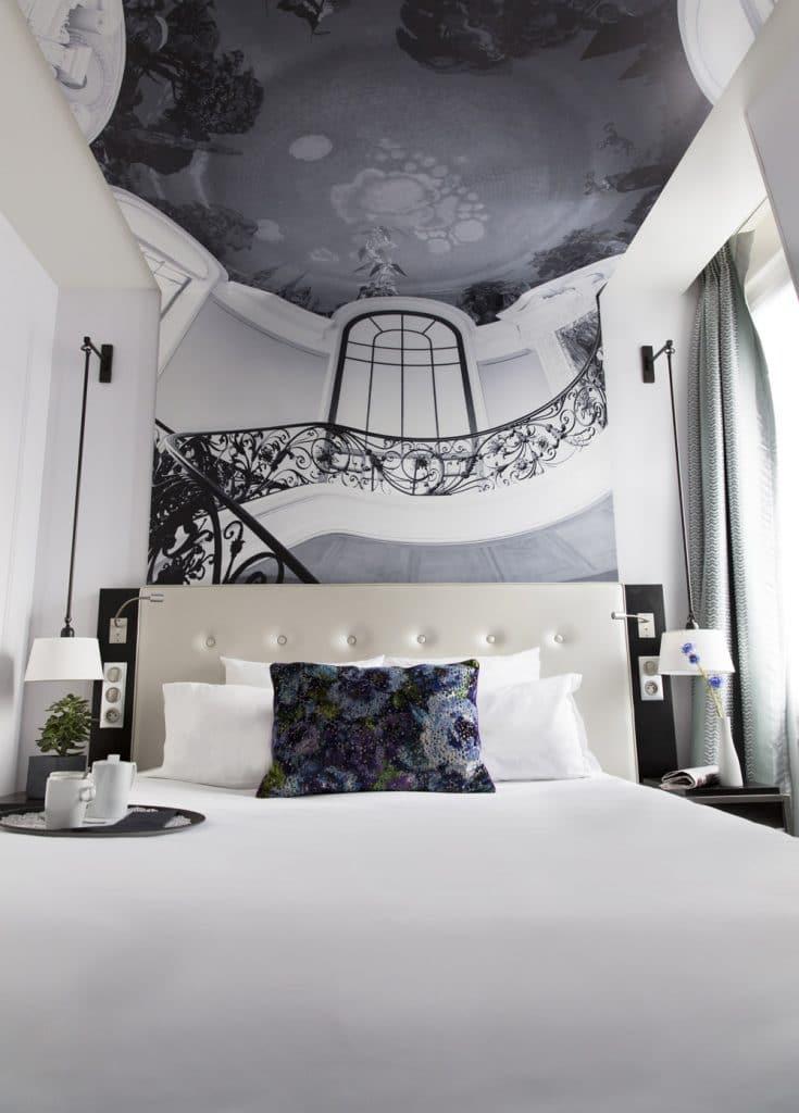 Tête de lit réalisée pour l'hôtel Gustave à Paris