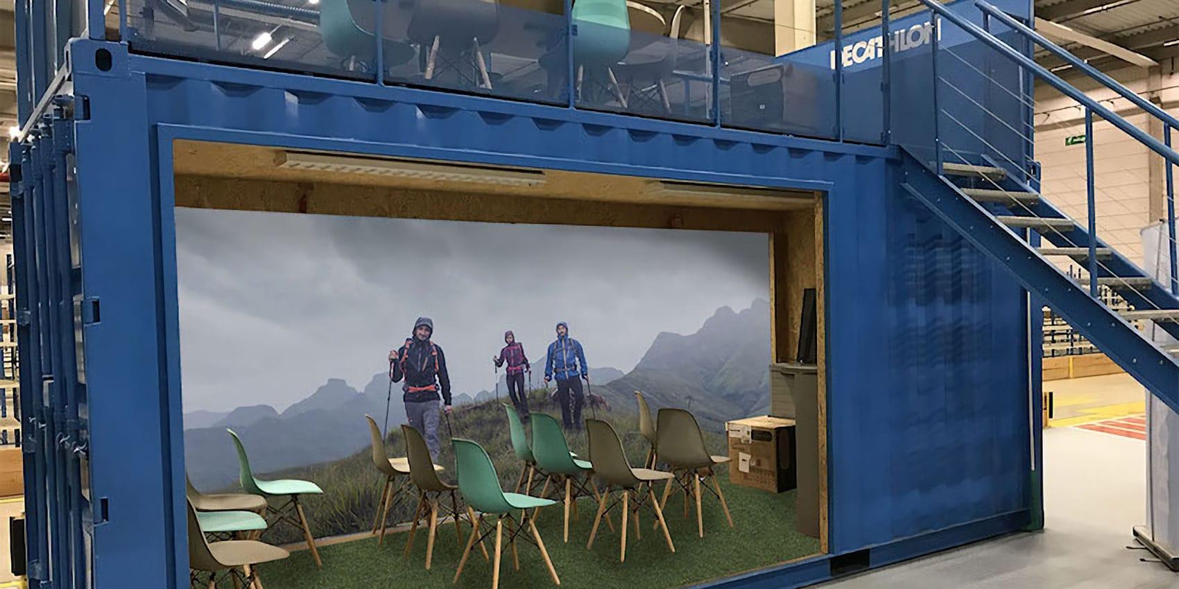 Une salle de réunion fabriqué dans un container par Art Home