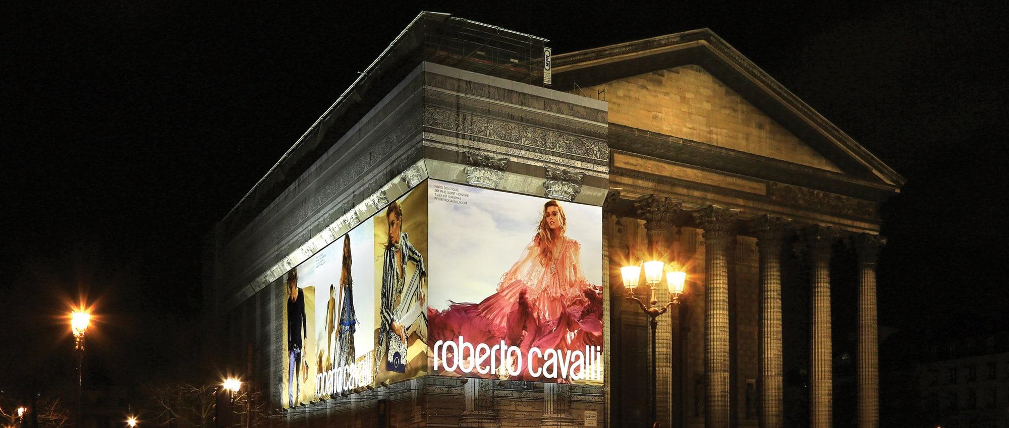 Publicité monumentale La Madeleine Roberto Cavalli