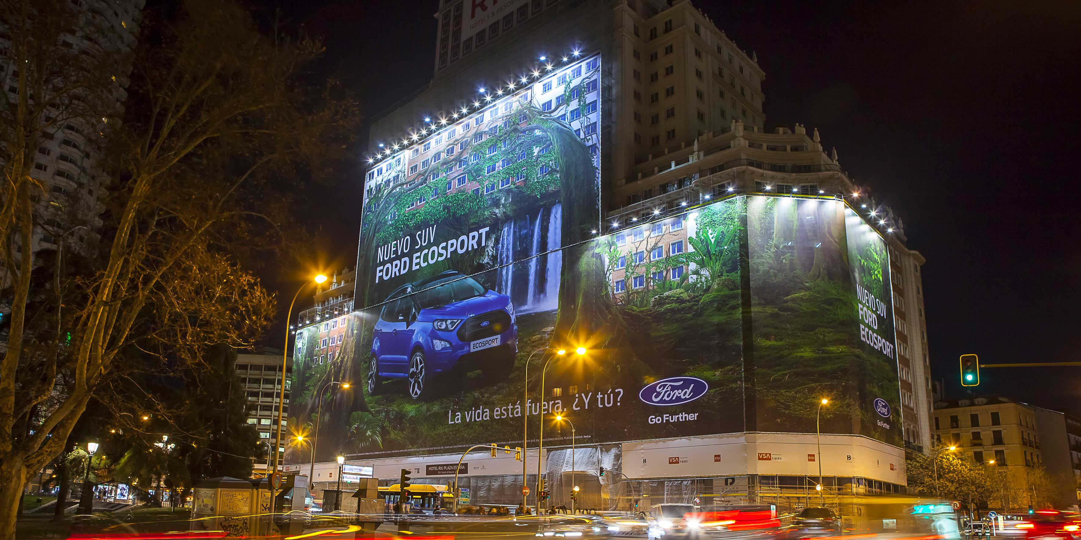 Record ford s 39 offre le plus grand affichage publicitaire for Annuaire decoration