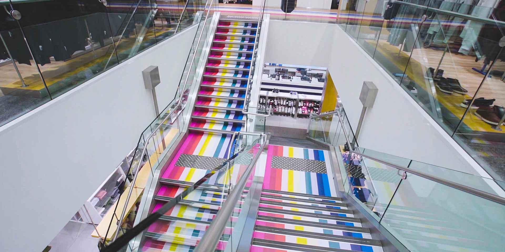 Nice colors ma tre d 39 oeuvre des crazy stripes de gap ic for Annuaire decoration