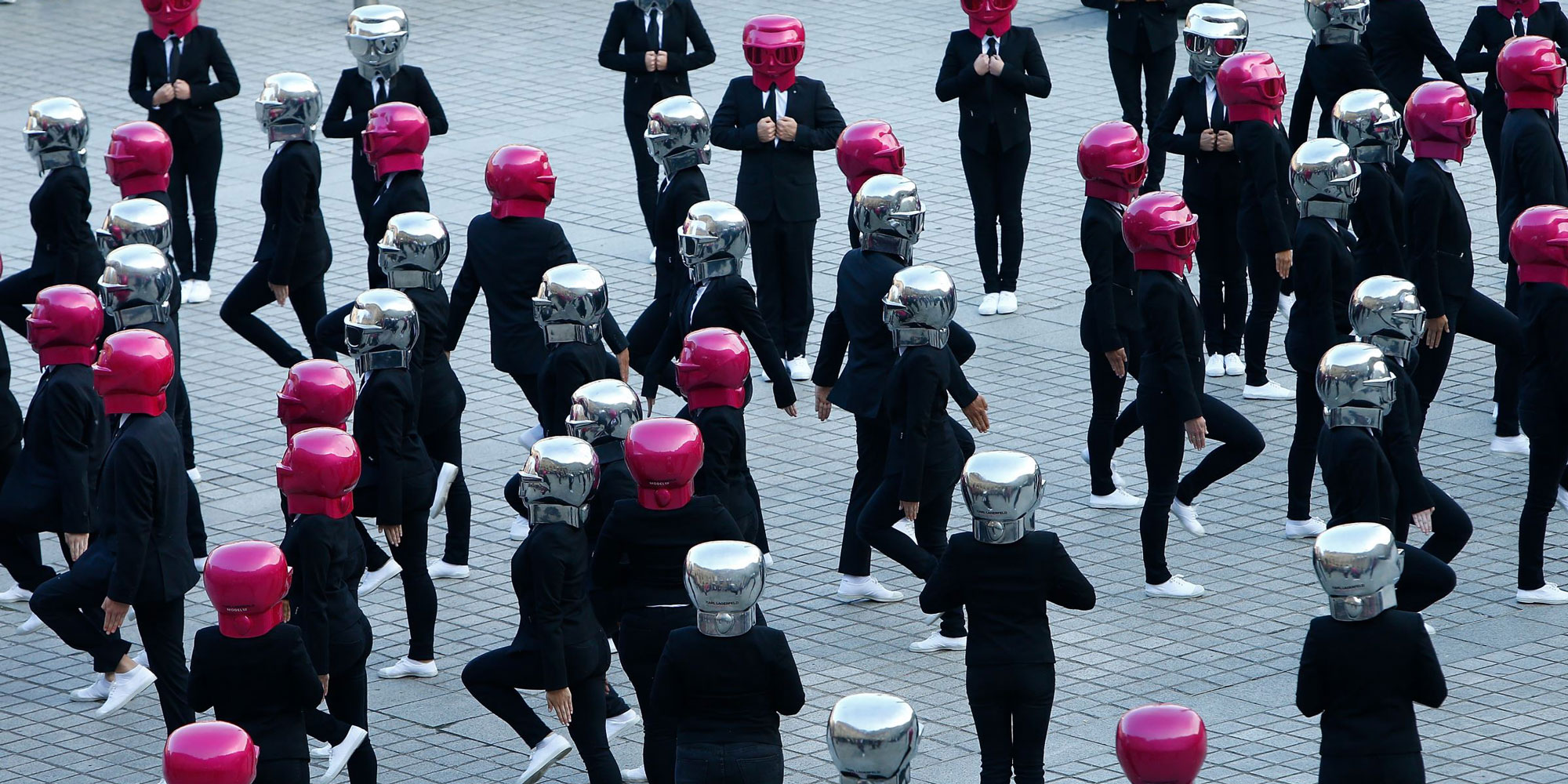 Flashmob Lancement collection Karl Lagerfeld