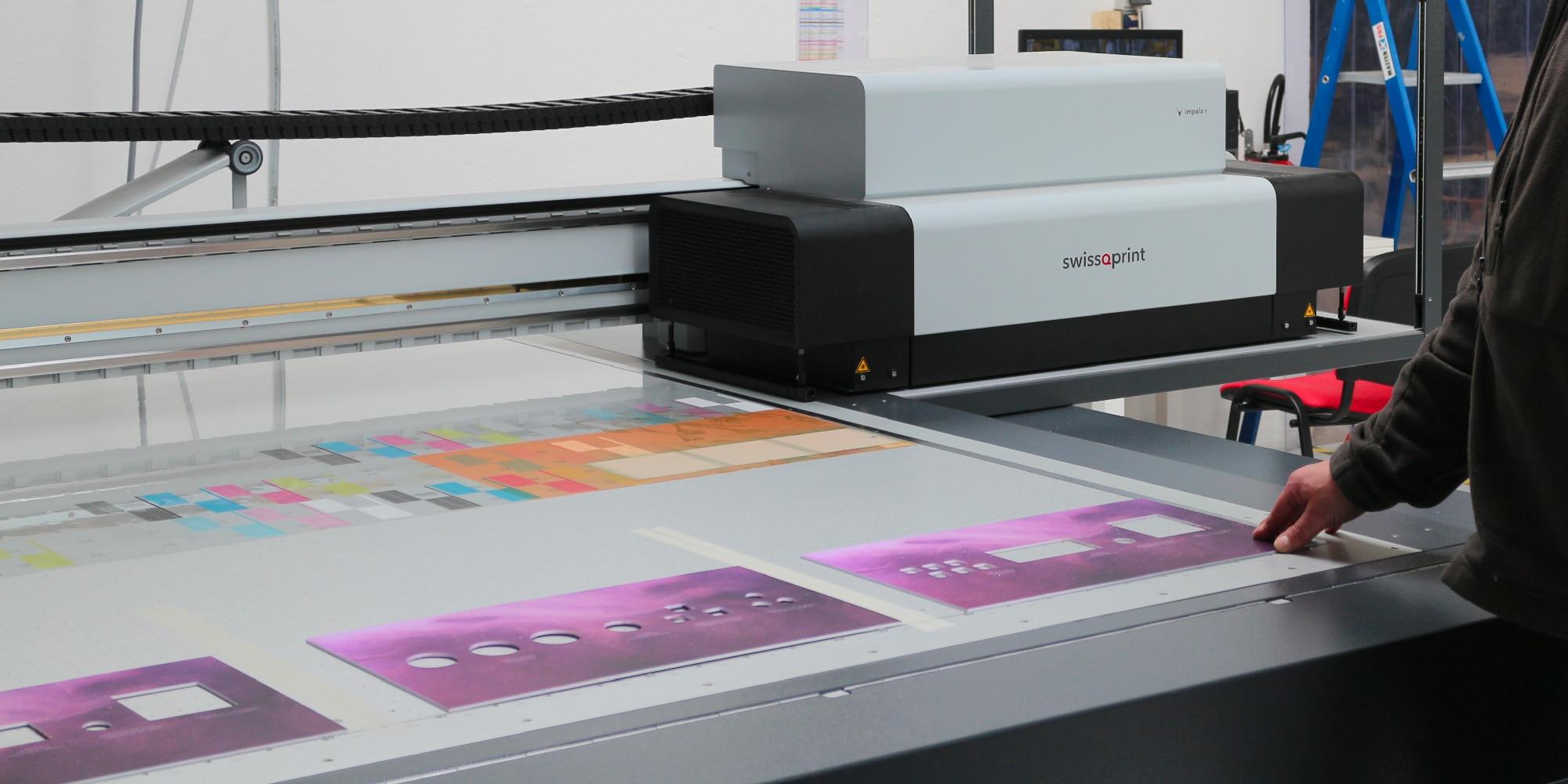 Spécialiste de la PLV et du merchandising, le groupe Formes & Sculptures vient d'investir dans une table à plat Impala 3 du constructeur swissQprint.