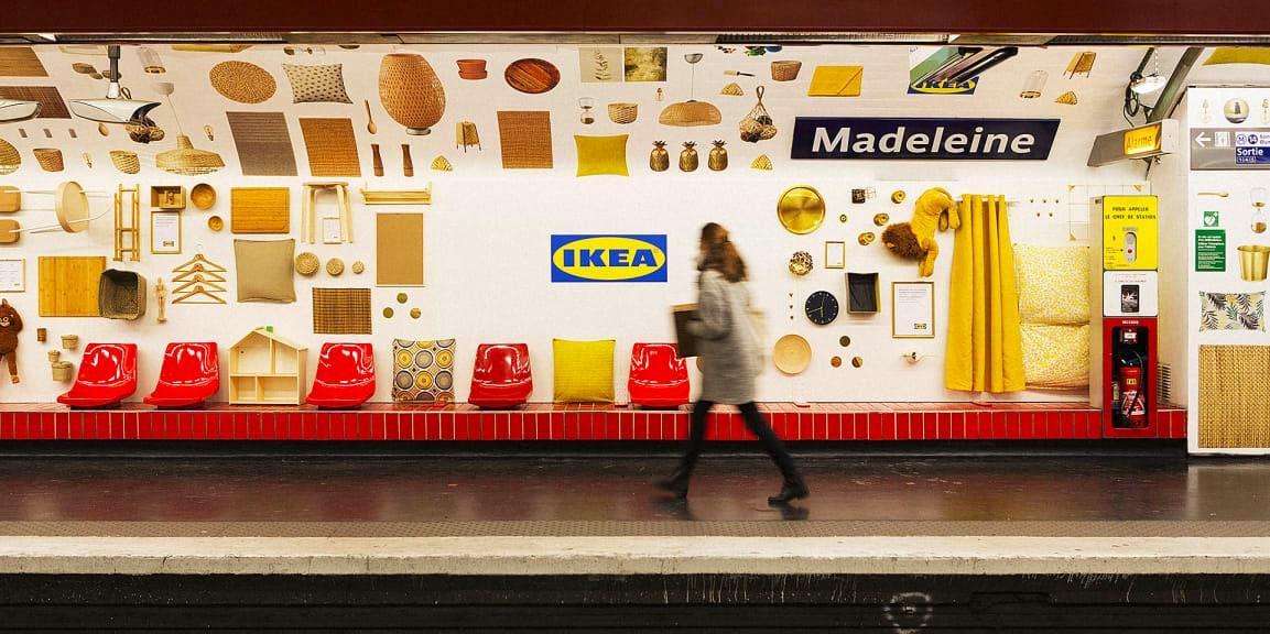 Ikea a entièrement redécoré la station de métro Madeleine avec ses propres produits.
